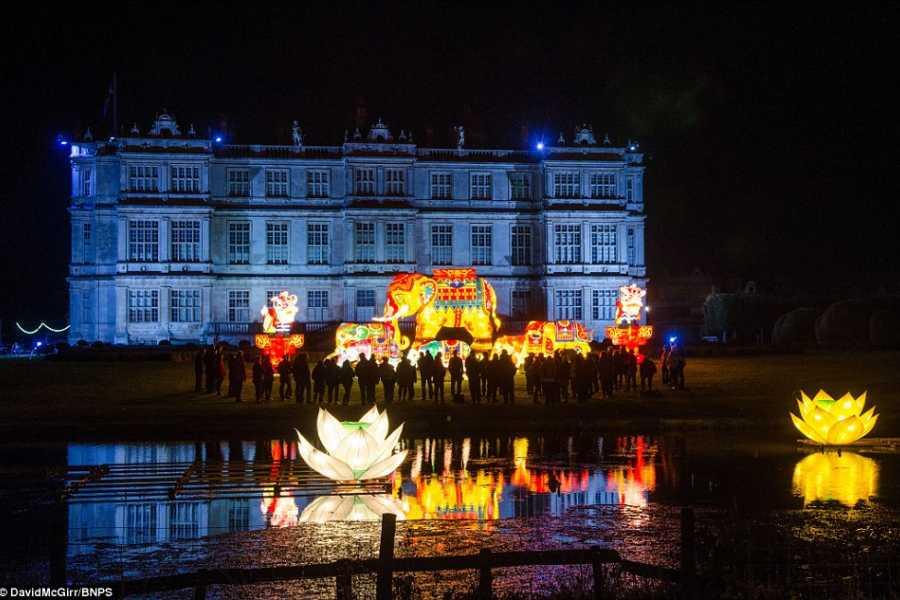Oates Travel St Ives NOVEMBER 15th-17th - LONGLEAT HOUSE, FESTIVAL OF LIGHT, EXETER & CRIBBS CAUSEWAY