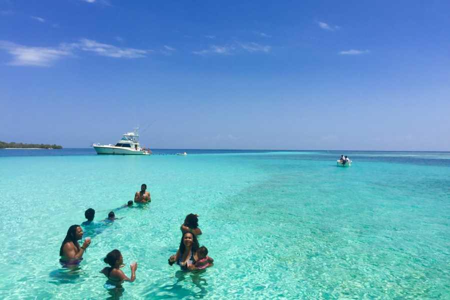 Marina Blue Haiti Anse à Galets Sand Banks Boat tour (La Gonâve Island)