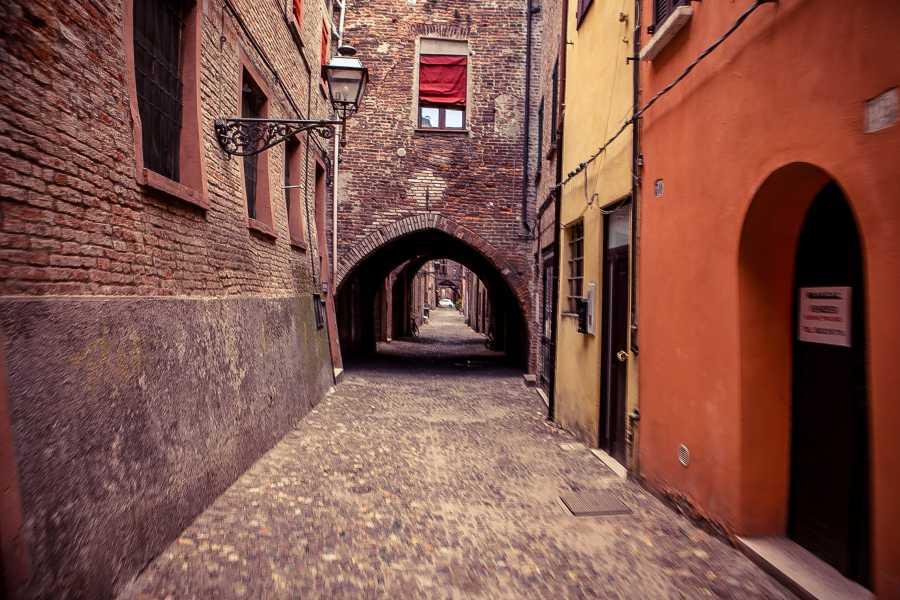 Ravenna Incoming Convention & Visitors Bureau Raccontare Ferrara - Visita Guidata