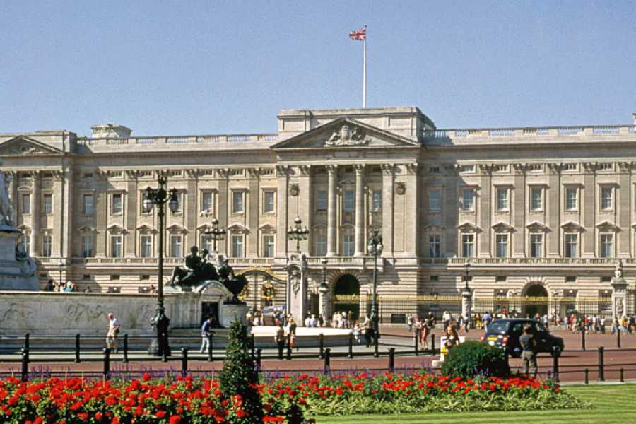 Halal Tourism Britain Buckingham Palace & Afternoon Tea