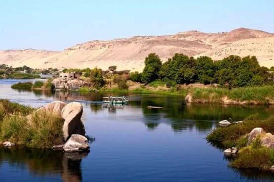 Excursies Egypte Private transfer from Marsa alam Airport to Aswan hotels