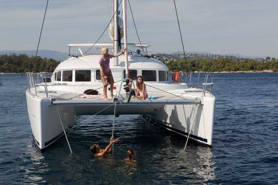 SailandPlay,SLU 3 Hour WINTER 2020/21 Luxury Sailing Catamaran Cruise