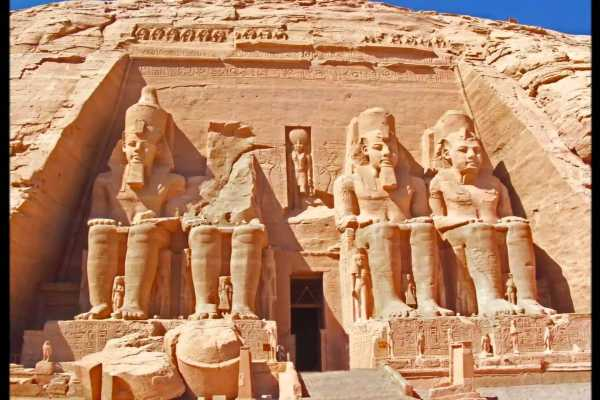 4 Days Nile Cruise from Aswan to Luxor on blue shadow Nile Cruise