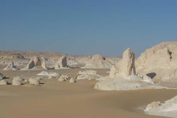 3 day trip toBahariya Oasisandwhite desertfrom Cairo