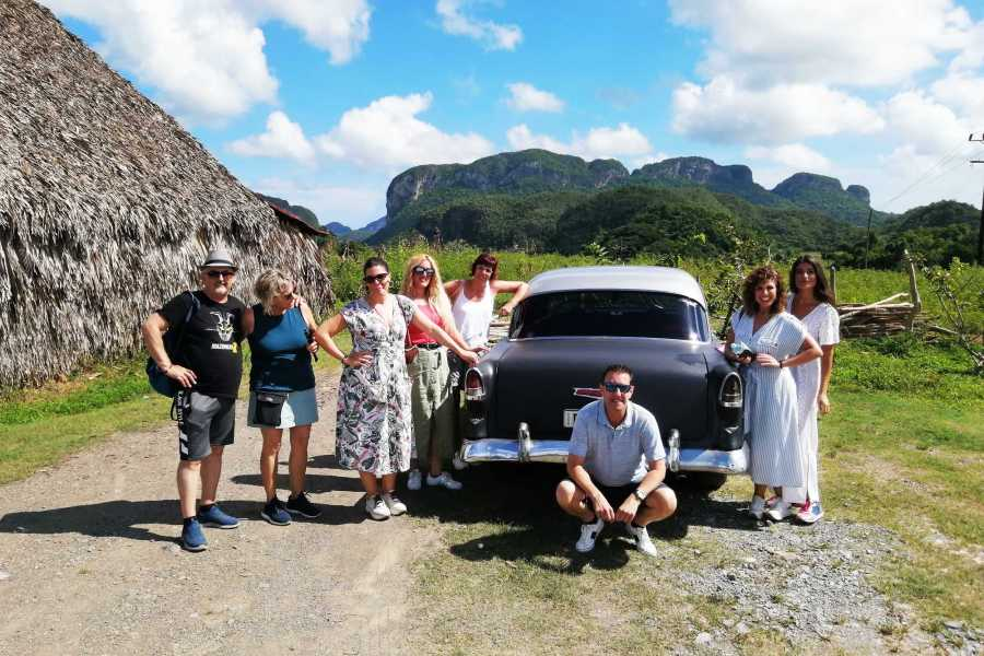 Cubyke Travel Walk to the Viñales Valley, all-inclusive.