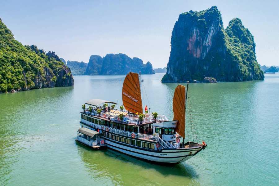 OCEAN TOURS Vietnam Essential