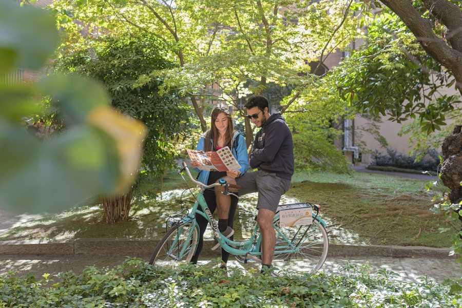 Bologna Welcome - Bike in Bo Bike tour Classic Ghetto - Due Torri - P. Maggiore