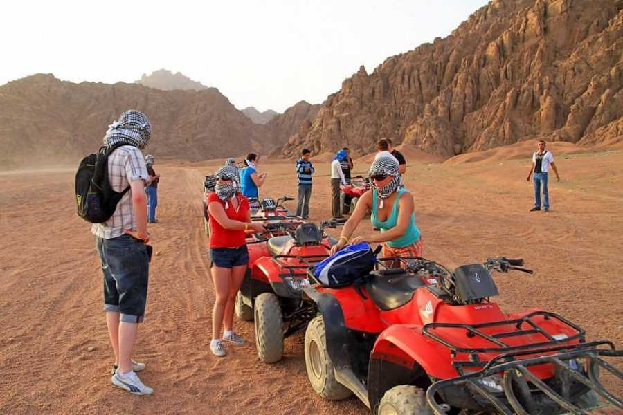 Excursies Egypte Sunset desert safari trip quad bike from Port Ghalib