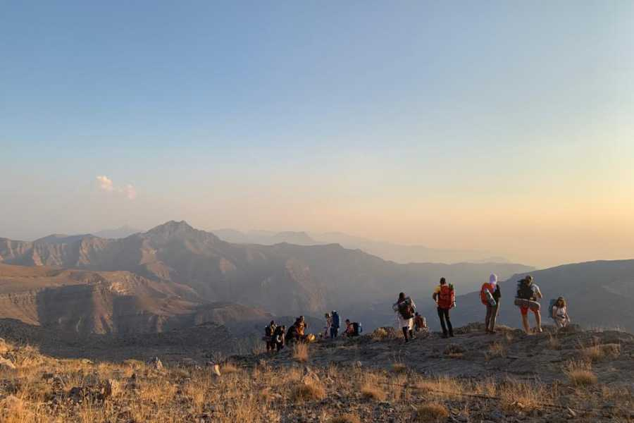 Adventurati Outdoor Backpacking Balcony Hike - National Day