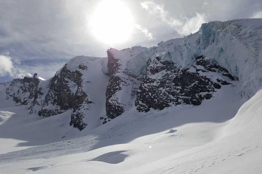 Saas-Fee Guides Ski - Splitboard  Basics Training Day