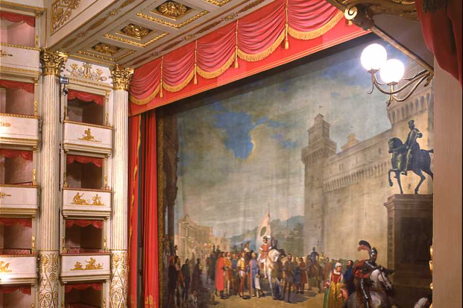 Modenatur Guided tour to Teatro Comunale Luciano Pavarotti