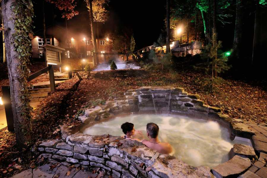 "Dream Vacation Tours ""LADIES ONLY"" - OLD QUEBEC SPA, DISTILLERY & SHOPPING TOUR (FROM NS)"