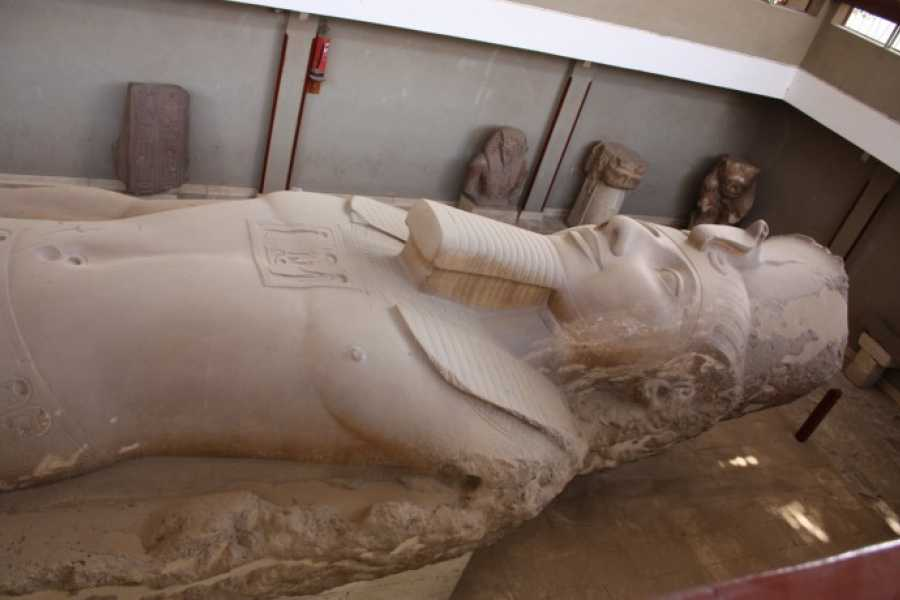 Marsa alam tours Day tour to Giza Pyramids and Sakkara from Hughada
