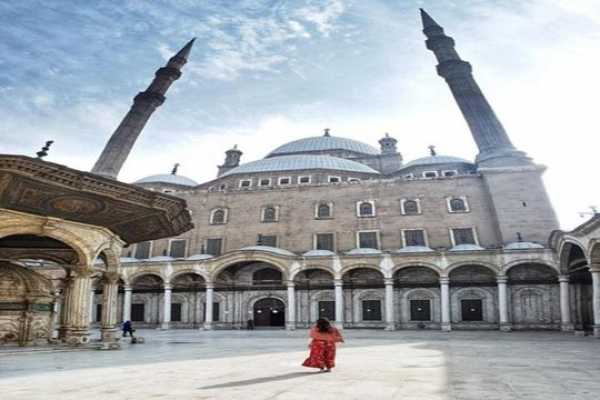 6-Hour Private Tour to the Alabaster Mosque City of Dead and Alazhar Park in Cairo