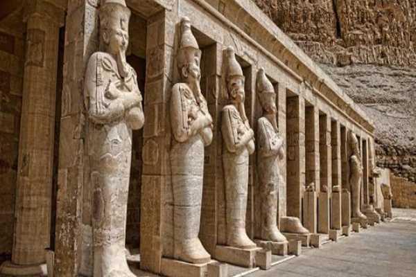 5-Day Tour around Cairo, Luxor, Alexandria and Suez Canal from Cairo