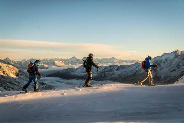 2-days skitour around the Allalin