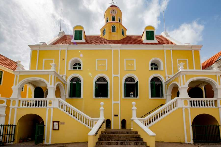 FBTT Travel Curacao Historic Walking Tour (Hostess)