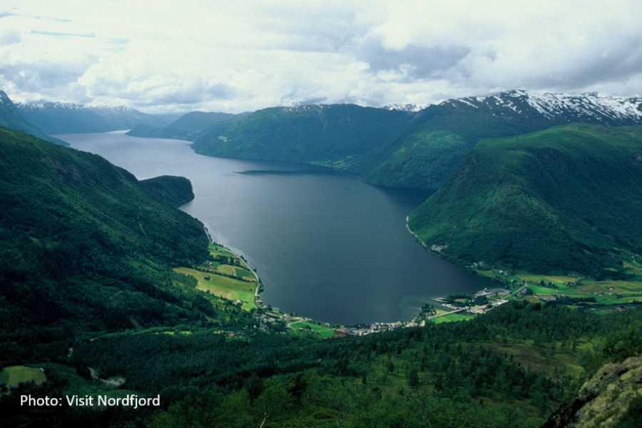 Travel like the locals (Møre og Romsdal) Ålesund - Stryn (one way)