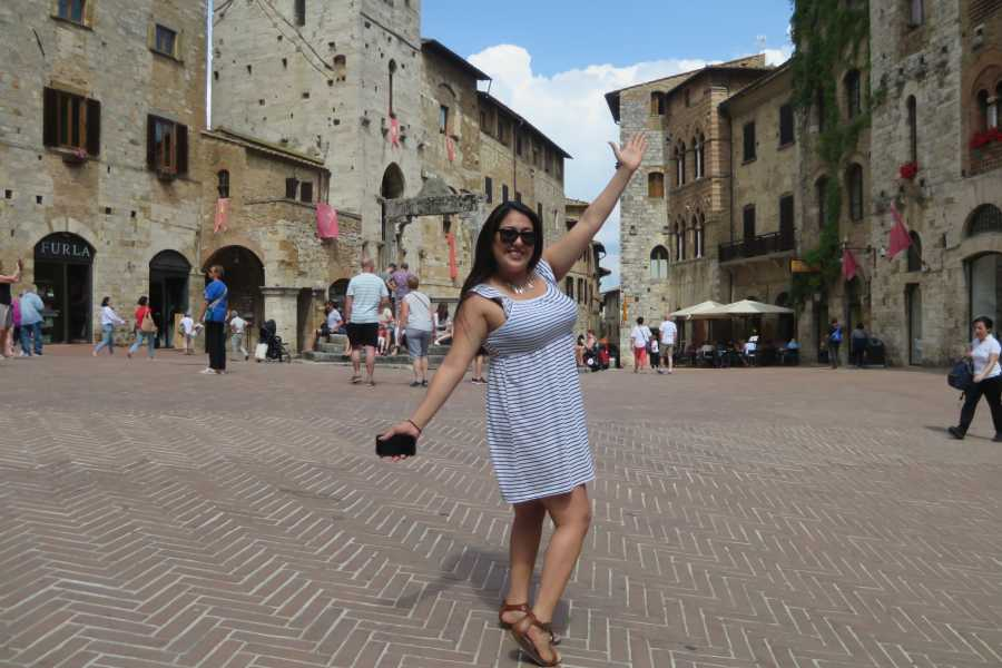 Italy on a Budget tours CHIANTI VESPA TOUR FROM SAN GIMIGNANO