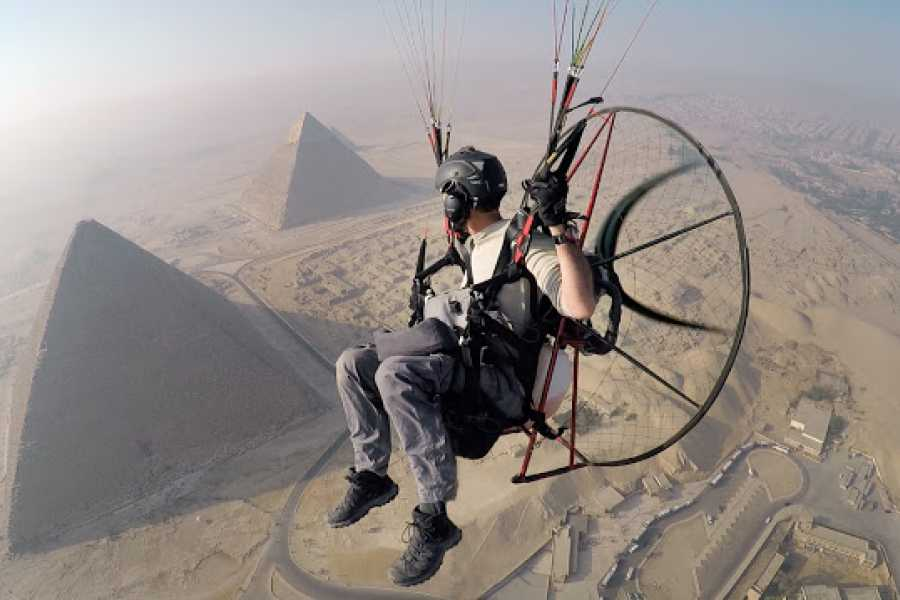 EMO TOURS EGYPT Pyramids Paragliding trip