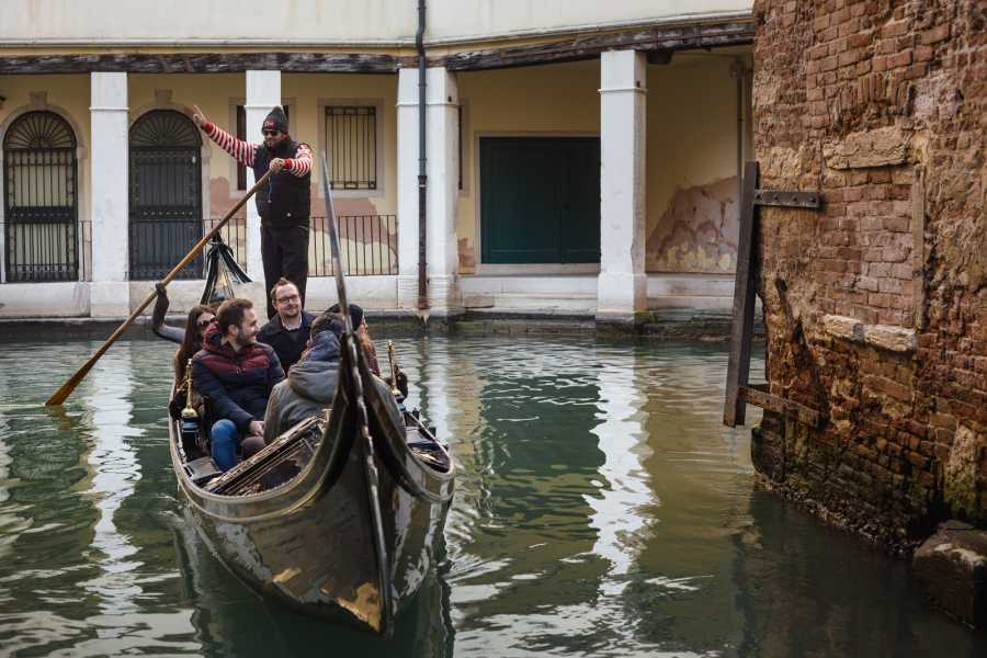 Venice Tours srl TITTI - Grand Canal by gondola with commentary