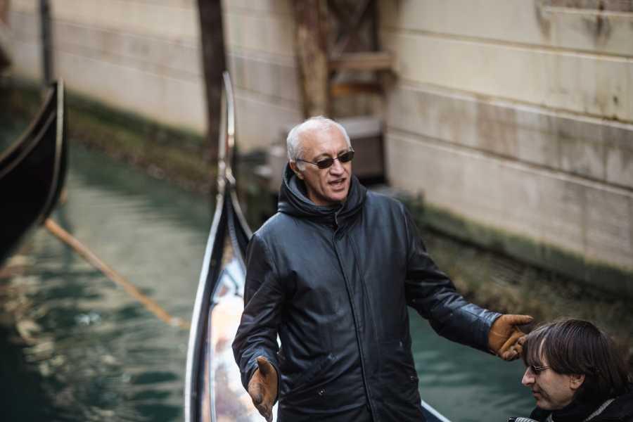 Venice Tours srl TITTI - Gondola serenade