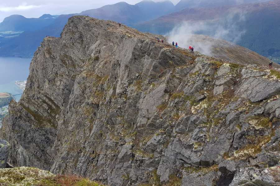 Friluftslek Romsdalseggen - Guided hike