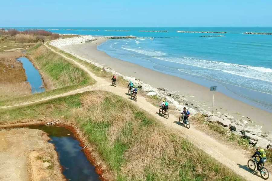 Cervia Turismo Rotta del Sale Bike Trail: Cervia-Venezia Offroad - Visites individuelles