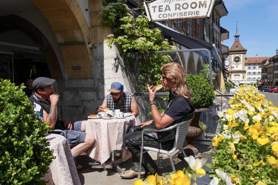 """Murten Tourismus / Morat Tourisme """"Töffli-Buebe-Feeling"""" Murtensee - Tour Murten mit Weindegustation in Murten - buchbar ab 6 Personen"""