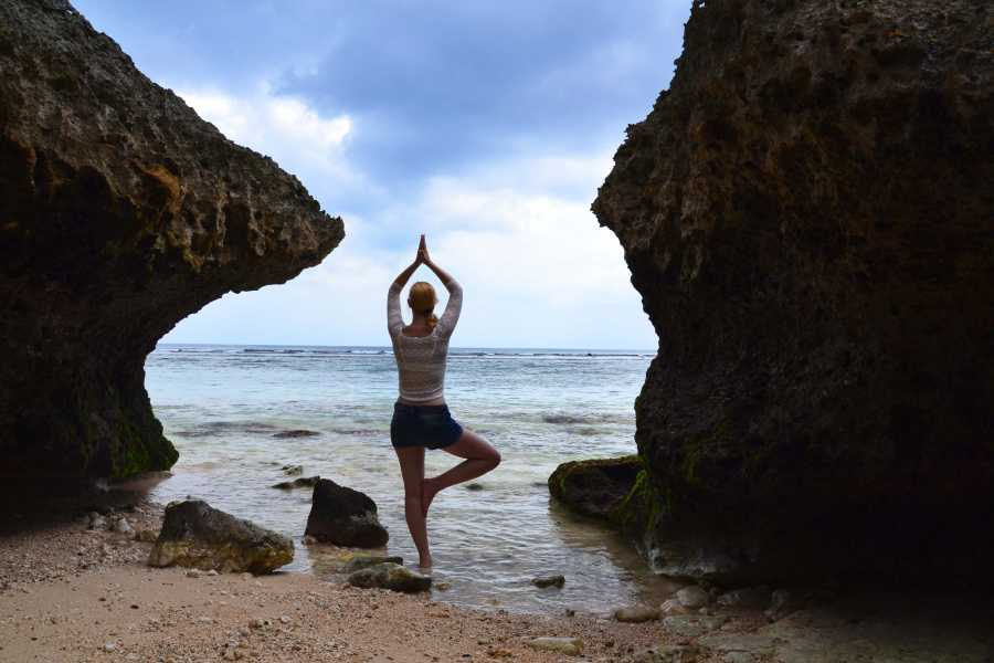 Tour Guanacaste Yoga Alliance® 200 RYT Teacher Course