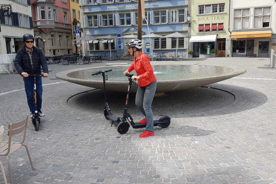 "Scooter Tours E-Scooter Tour ""Best of Zurich"""