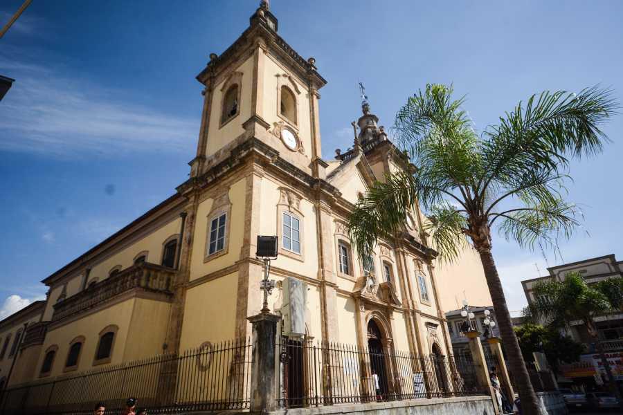 Around SP Ciudad de Aparecida - el más importante destino Católico de Brasil