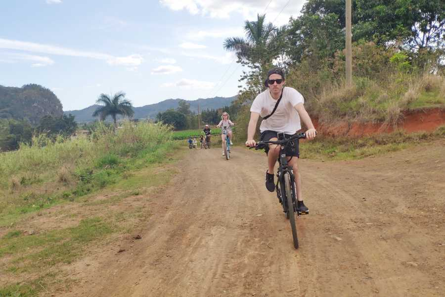 Cubyke Travel Viñales pure and intense - PRIVATE