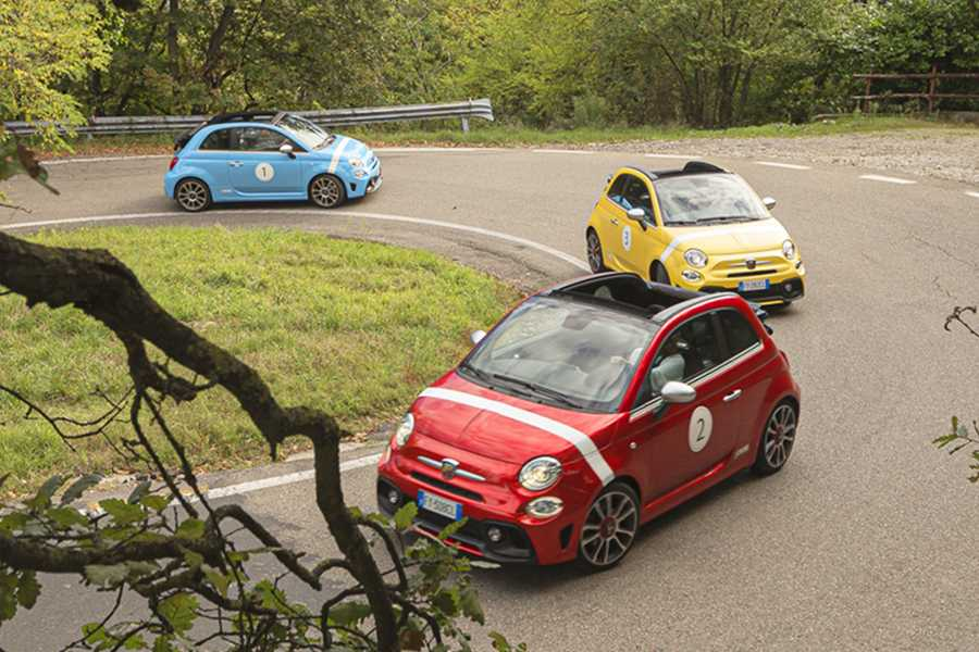 Modenatur Motor Valley tours Canossa Events al volante di Abarth 595 Cabriolet