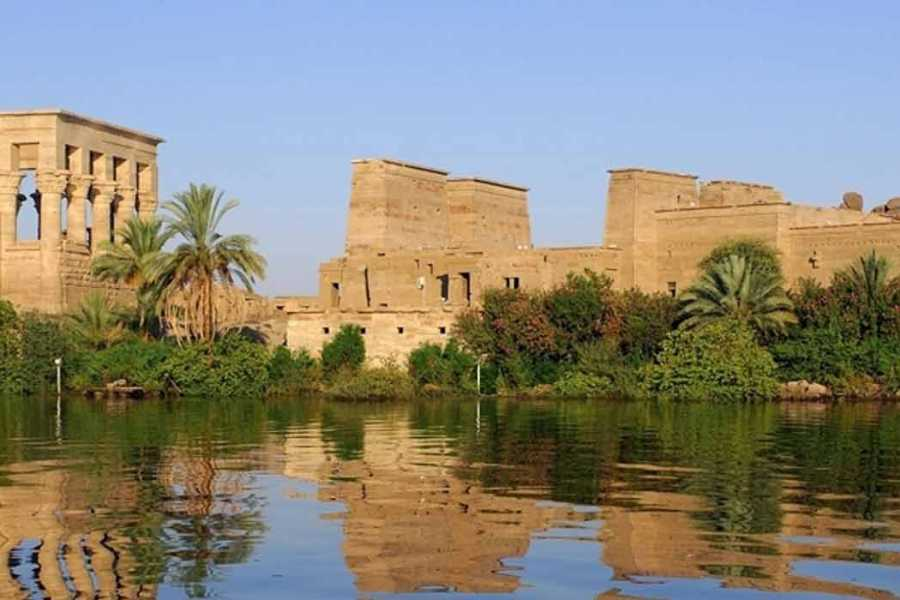 Marsa alam tours 4 days Nile Cruise on MS Amwaj Living Stone Nile Cruise