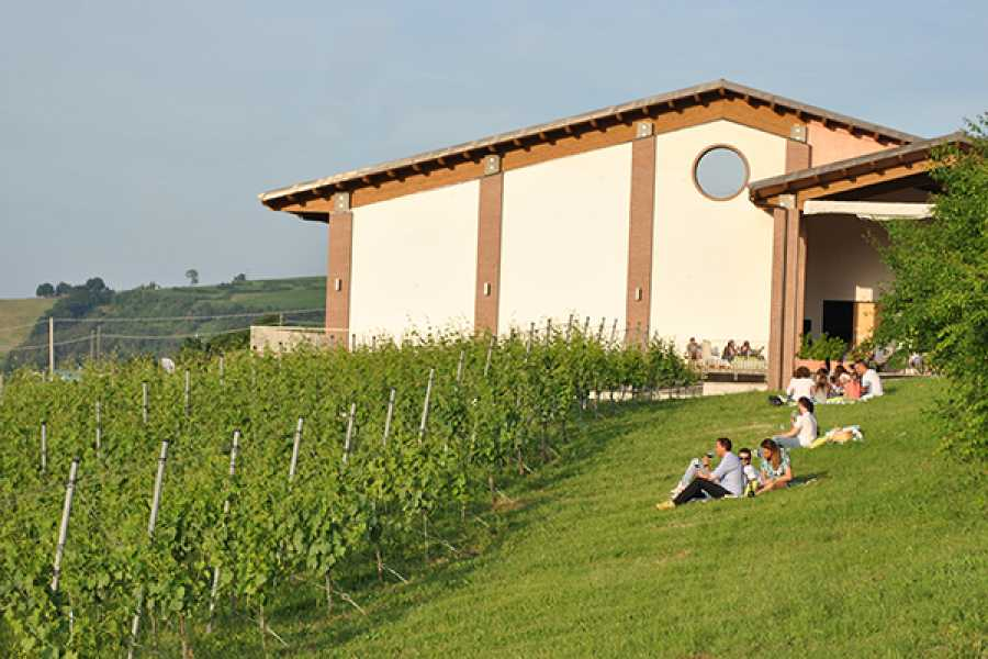 Enoteca Emilia Romagna ANCESTRAL METHOD: WINE & TRADITION EXPERIENCE