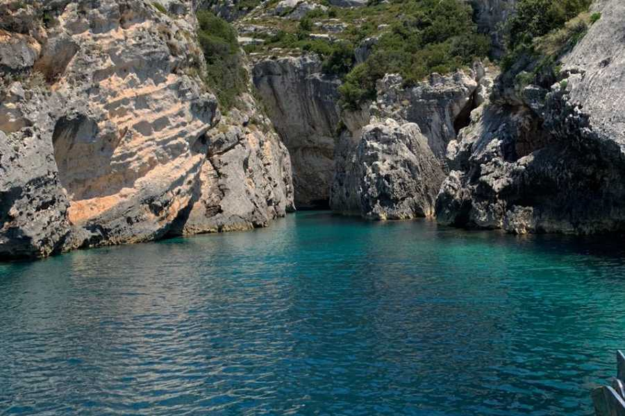 """Services For Tourism """"GRAND TOUR NATIONAL PARK & GRAMA BAY"""" by speedboat"""