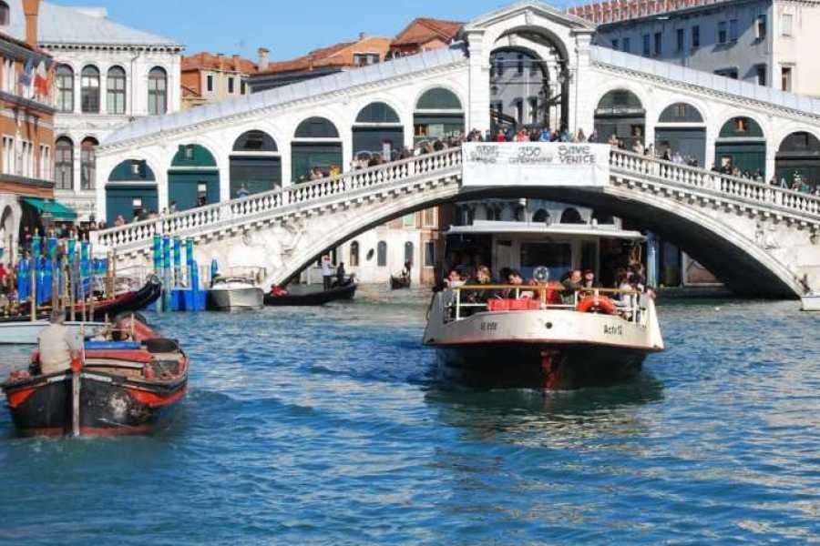 Venice Tours srl MUSEMENT: Boat Hop on Hop Off 1 day & Self-guided tours on  foot!