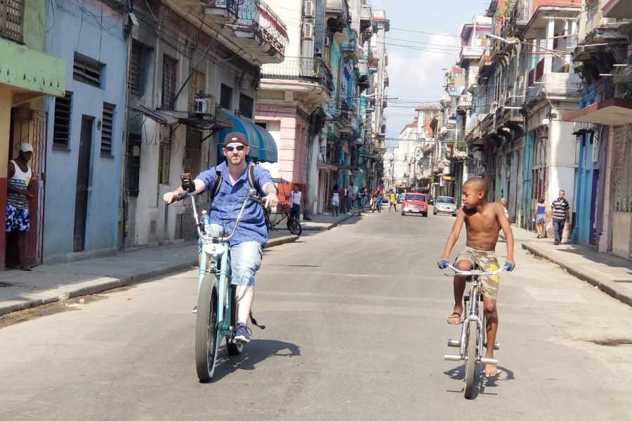 Cubyke Travel Habana Mafia Tour - half Day