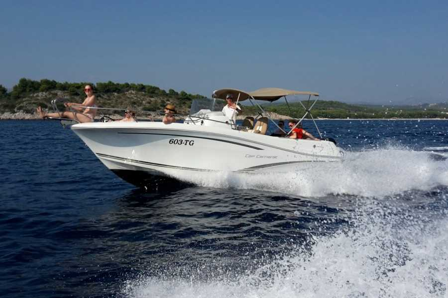 PORTAL TRAVEL AGENCY Blue Lagoon private speedboat tour from Trogir