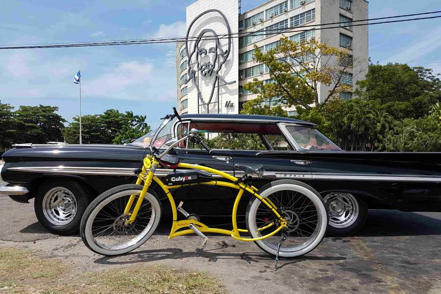 Cubyke Travel Cocktail tour Havana