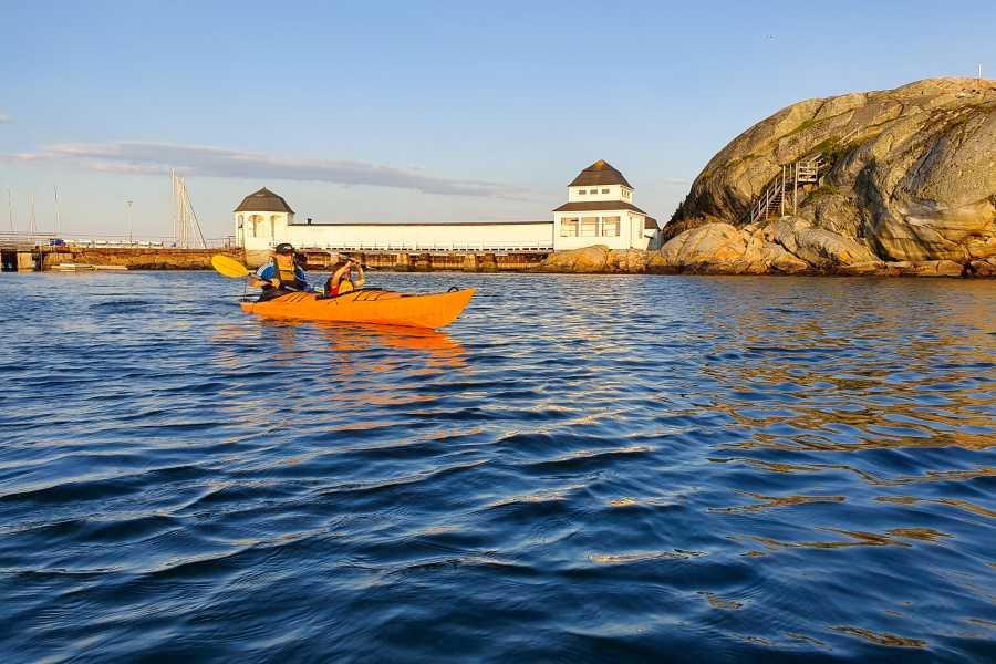 Outdoor West Kayak tour: SUNSET PADDLING