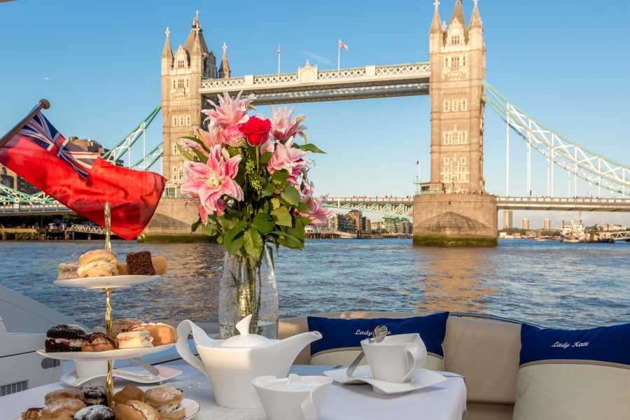 Halal Tourism Britain Luxury Cruise on River Thames