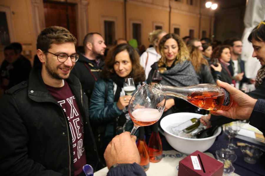 Ravenna Incoming Convention & Visitors Bureau GiovinBacco alla Biblioteca Classense - Carnet degustazione vini