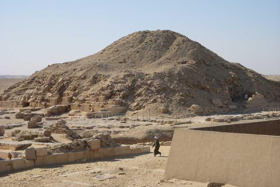 El Gouna Tours Day Tour To Giza Pyramids Memphis Sakkara From Cairo