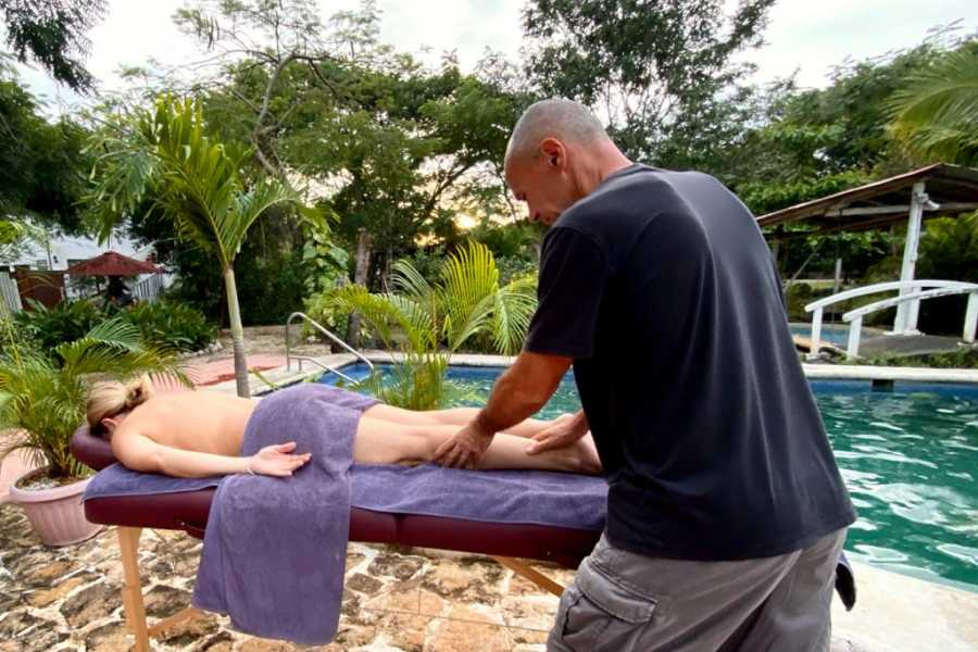 Black stallion ranch Relaxing Pura Vida Pool Massage