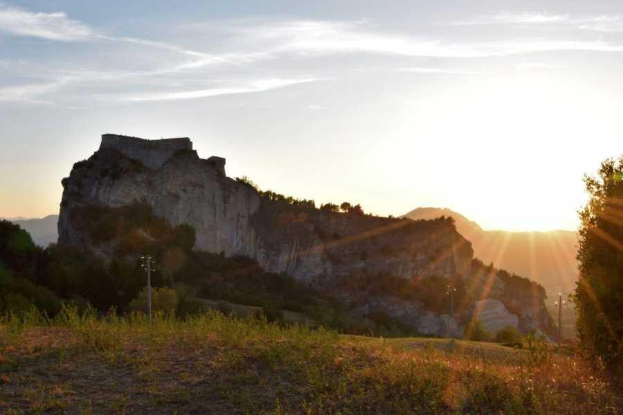 "Visit Rimini Trekking ""Archeologica San Leo"""