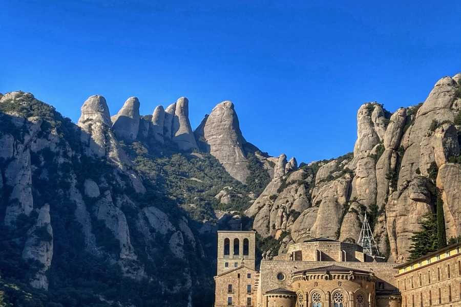 Bus2Alps AG Barcelona 2 Montserrat Day Trip