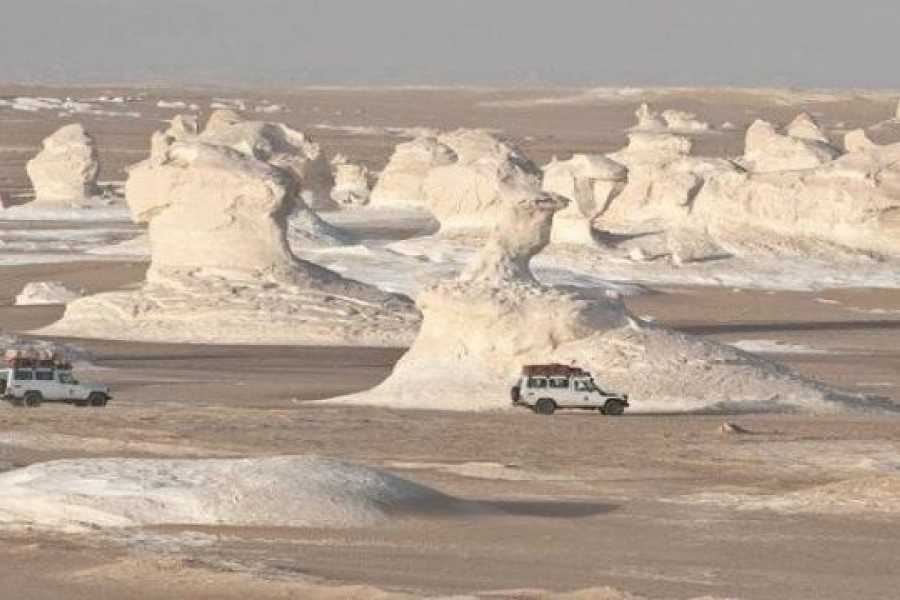 Marsa alam tours 3 Day Tour to the white desert and Djara Cave from Cairo