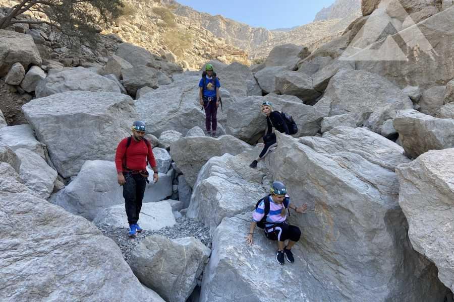 Adventurati Outdoor Hike + Abseiling at Wadi Wonderland (Fri 26 March )